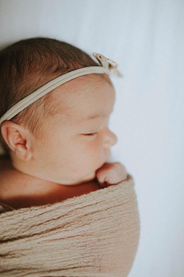 baby h chicago newborn photographer (28)