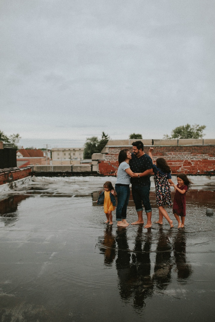 Lopez Family rooftop session | Adri De La Cruz Chicago + West Suburbs photographer