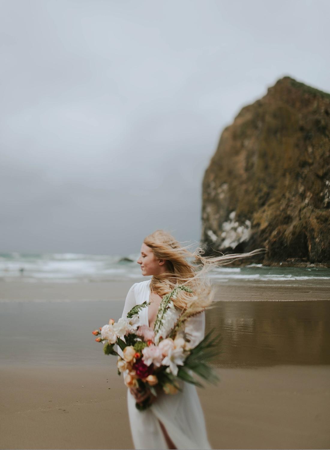 Couples on a beach Adri de la cruz Chicago intimate wedding photographer (8)