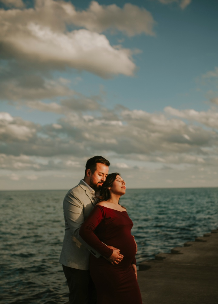 Jessica and Alex, Maternity session in Hyde Park- Chicago IL